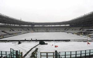 sport_calcio_italiano_neve_stadio_torino