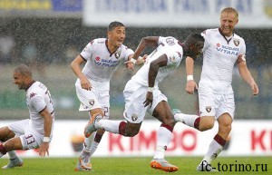 "Foto LaPresse - Spada 13 settembre 2015 Verona ( Italia) Sport Calcio Hellas Verona - Torino Campionato di Calcio Serie A TIM 2015 2016 - Stadio "" Bentegodi "" Nella foto: acquah esultanza dopo gol 2-2 Photo LaPresse - Spada 13 09 2015 Verona ( Italy) Sport Soccer Hellas Verona - Torino Italian Football Championship League A TIM 2015 2016 - "" Bentegodi "" Stadium  In the pic: acquit celebrate after scoring 2-2"